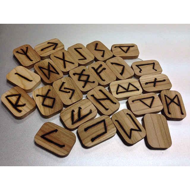 histoire introduction runes