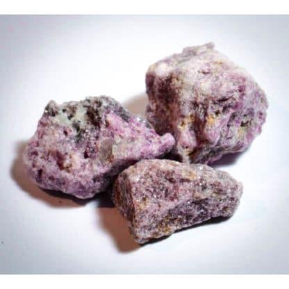 pierre brute lépidolite